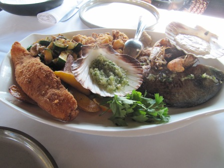 Reichhaltige Fischplatte
